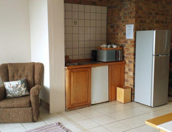 Sidney's Room lounge & Kitchenette